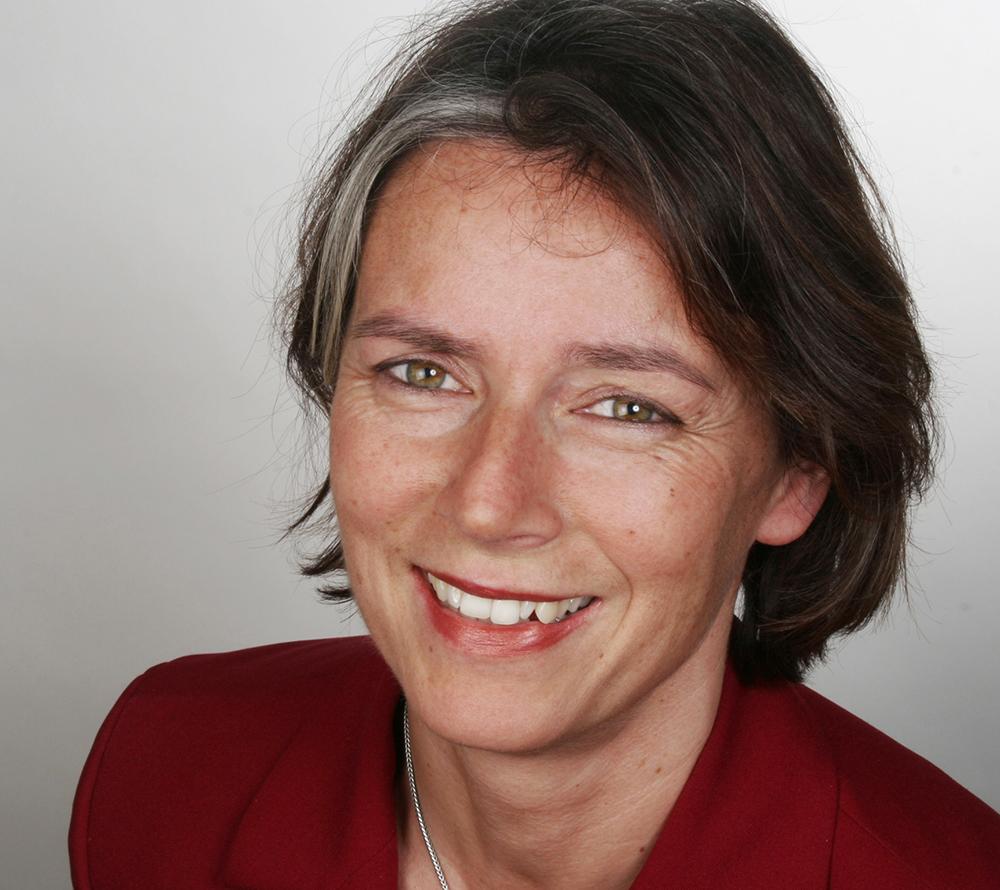 Dr. Beate Kummer
